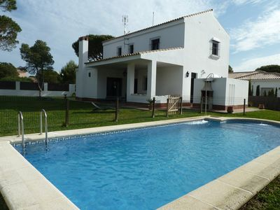 Photo for Great Chalet, Urb. Roche, 800 m from the beach, private pool, wifi