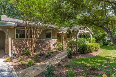 Families Love This Quiet Setting With Loads Of Shade Trees And A Charming Patio Tryon