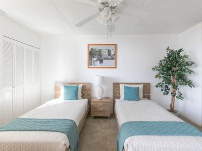 Photo for Clean and comfortable 1 bedroom at the Royal Kuhio
