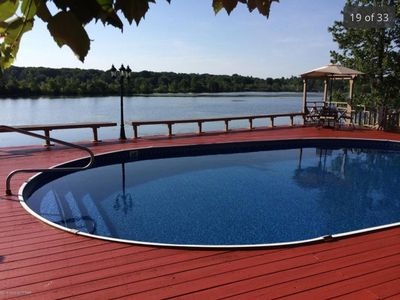 Poconos lakefront with private pool hot tu vrbo for Pocono rental with private swimming pool