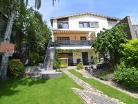 Enjoyed staying in this very comfortable house with its lovely views from the re ...