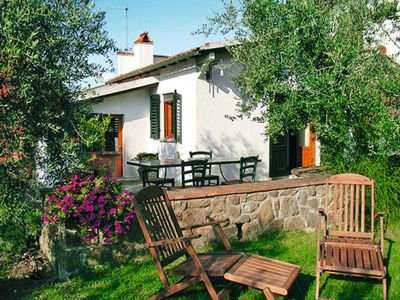 Photo for One bedroom Villa, sleeps 2 in San Casciano in Val di Pesa with Air Con and WiFi
