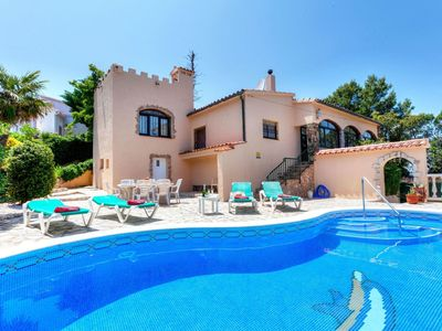 Photo for Cosy apartment for 7 people with WIFI, private pool, TV and balcony