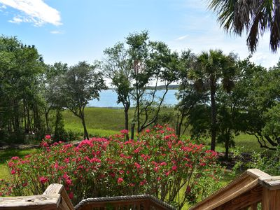 Folly Beach Secluded Waterfront with 18 Acres, Perfect a Getaway weekend!