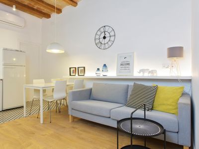 Photo for BEAUTIFUL APARTMENT IN THE HEART OF GRÀCIA WITH BALCONY FOR 4