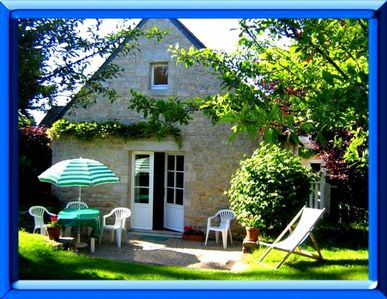 Photo for Character stone cottage in the village of Loctudy, garden