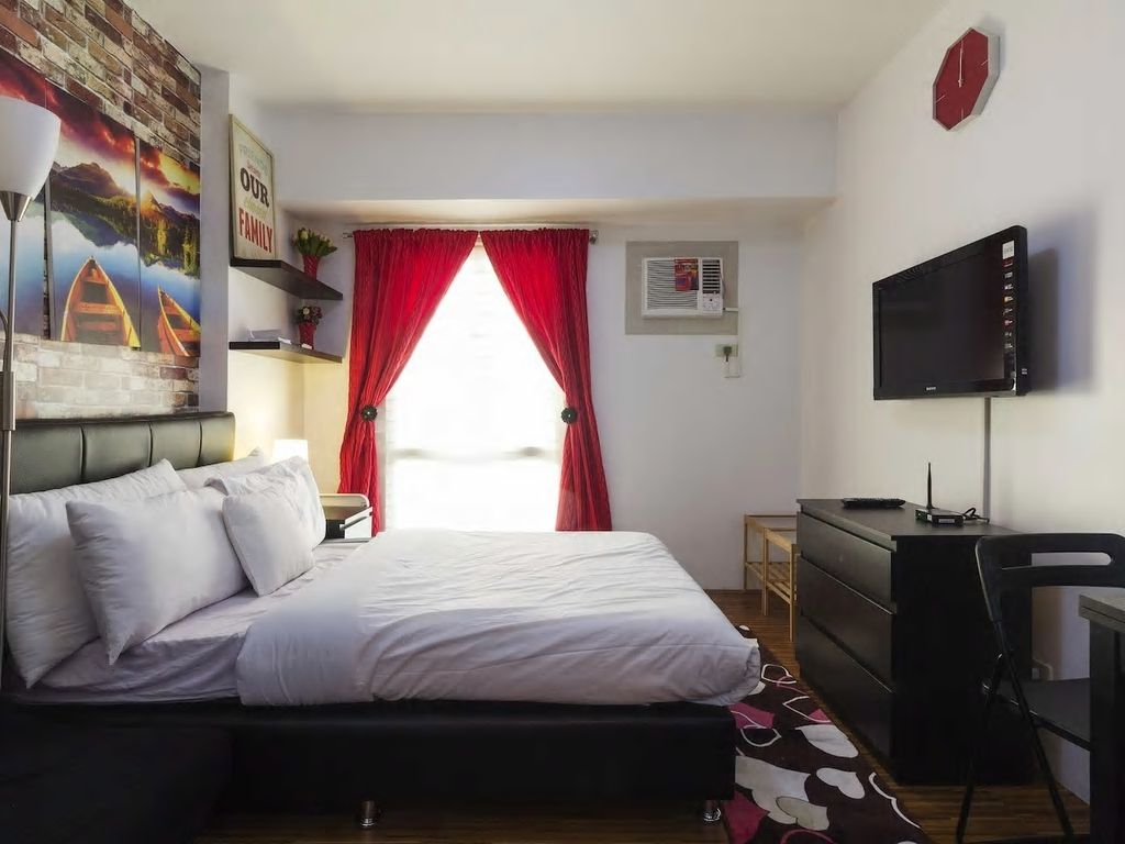 Cheap and clean studio unit near airport vrbo for 10 b swimming pool ups 5 sucat paranaque