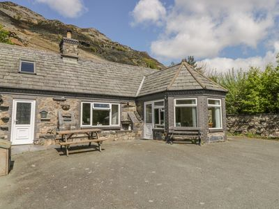 Photo for GLENDOWER, pet friendly, with open fire in Llangynog, Ref 22261