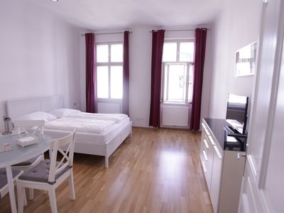 Photo for Bright apartment right on the Augarten