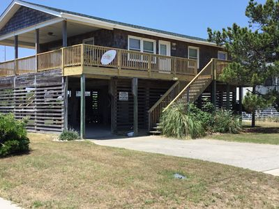 Photo for Chillin' -3  BR, Ez Beach Access,Bright&Cheerful,Lots of Decking