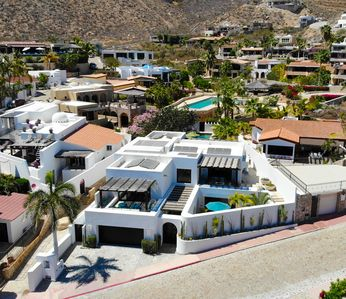 Photo for Staffed Luxury Villa, Steps to the Beach, Private Pool, Pedregal.