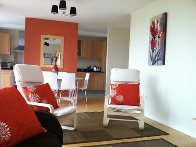 Photo for Spacious 3 bedroom city centre apartment