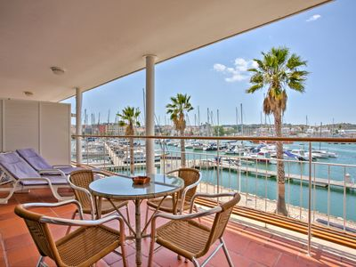 Photo for Apartment With Large Terrace Overlooking The Boats