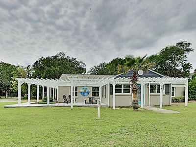 "Photo for ""Palm Palm Guest House"" w/ Large Wraparound Deck - Walk Minutes to Beach!"