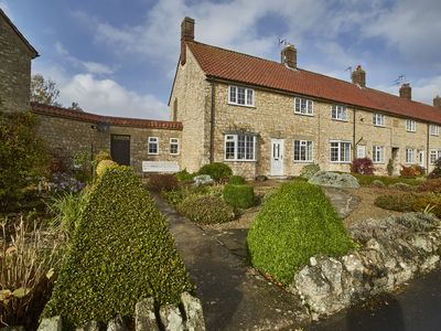 Photo for Ivy Cottage, HELMSLEY