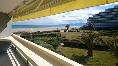 Photo for Beachfront apartment block Canet Sud, parking and WIFI access