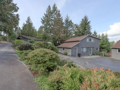 Guesthouse w/ direct beach access & views of Olympic Mountains/Carr Inlet!