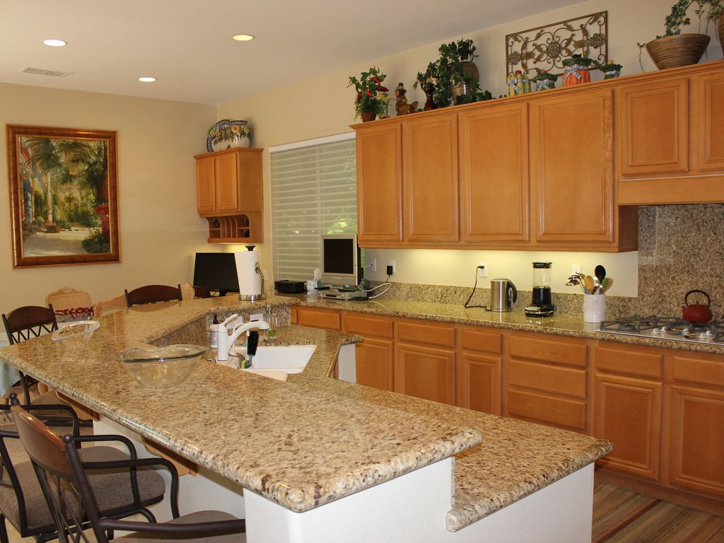 Property Image#10 Beautiful Home With Stunning Views At Mission Hills