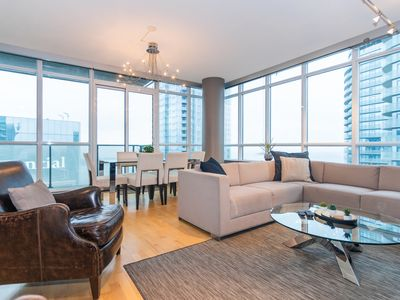 Photo for Downtown 47th Floor 2-Bedroom Luxurious Condo