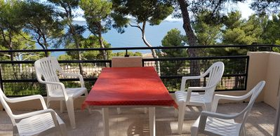Photo for Hyères Villa 5 pers. south facing sea view residential park of the mountain of birds