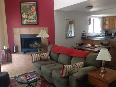 Photo for Cathedral ceilings/light/bright, Lrg 1 bdrm with views
