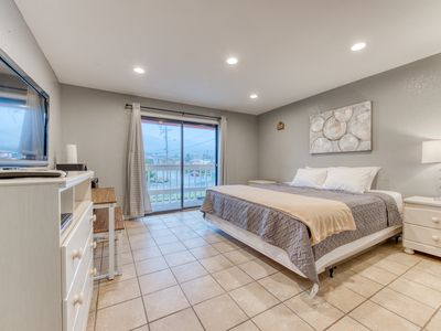 Photo for Dog-friendly motel studio located near the beach & downtown!