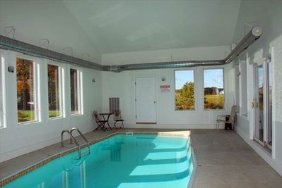 Private Indoor Swim Pool,Hot Tub, Free Golf&Mini Golf, Tennis, Fire Pit -  Waterfront Greens