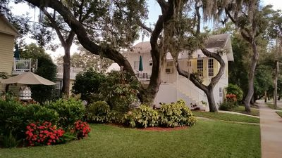 Photo for Close to Beach and Tarpon Springs Sponge Docks. Cottage on Spring Bayou