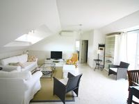 Loved this apartment. Great location. It is on the top floor, and has lots of natural light which we