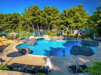 Photo for Well-kept apartment with sea view and AC, 12 km from Sibenik