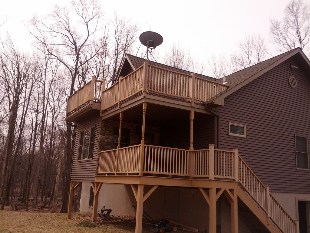 Peaceful and private pocono house with community lake beach pool in community unity house for Pocono rental with private swimming pool