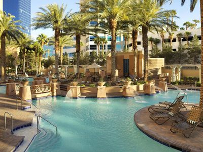 Photo for 2br - Hilton Grand Vac-8/31 to 9/7 Labor Day week-Sleeps 6- 2BR-Full Kitchen