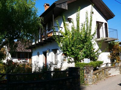 Photo for Cosy apartment for 4 guests with private pool, WIFI, TV, balcony, pets allowed and parking