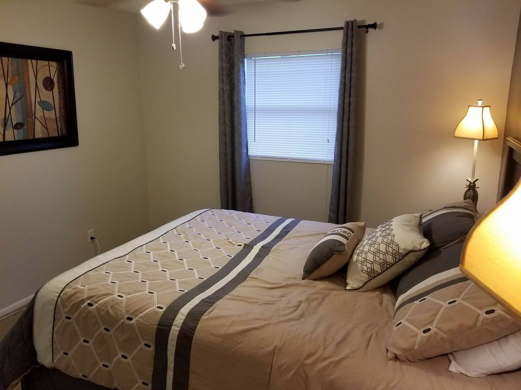 The Villas   Remodeled 3 Bedrooms House With Pool   Pet Friendly