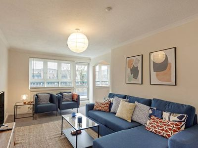 Photo for Comfy 6-Sleeper Apt w/ Large Patio in W Kensington