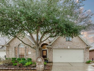 Photo for Furnished 3 bed 2 bath w/screened porch 5 minutes from I-45 20 Mints. to IAH