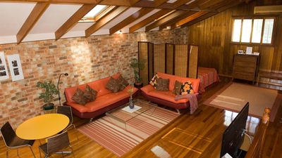 Photo for Large, Self-Contained Studio & Private Entrance. 3.5km from CBD. Big Breakfast.