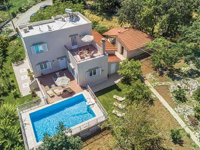 Photo for Villa w/ open plan living area and sun terrace located in the village