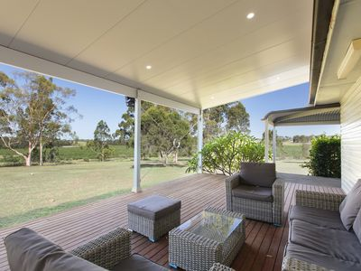 Photo for Glandore Estate - 5 Star Location - Wine and Dine in the heart of the Hunter