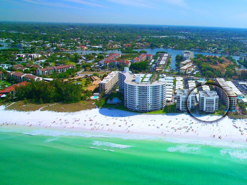 Crescent Beach 2 Bedroom Beachfront Con Homeaway