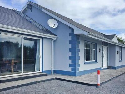 Photo for holiday home, Scarriff  in Clare - 8 persons, 5 bedrooms
