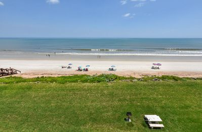 Photo for CH417 - Lovely 2/2 direct oceanfront condo with breathtaking ocean views.