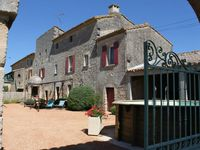 Very comfortable home and thoughtful owners. Close to Uzes and Orange, quiet and reasonable.