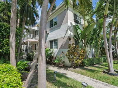 Photo for Lincoln Beach Apartment 2 Bed / 1 Bath Miami Beach