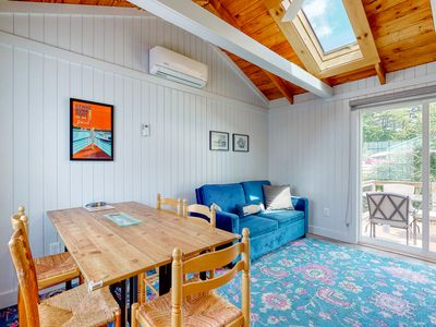 Photo for Charming Jacuzzi-Suite walking distance to Parson's Beach