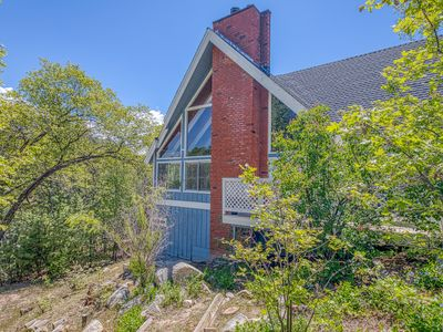 Photo for Secluded getaway w/ soaring ceilings, a loft, & full kitchen - close to the lake