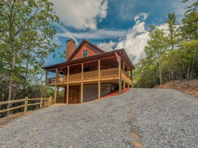 Photo for New construction- Luxury 3 br/3.5 ba, Hot tub,Wifi- Mountain View