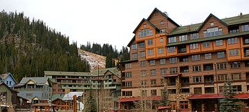 Zephyr Lodge Ski-in Ski-Out, 2 Bedroom with view of Mary Jane & Ice Skating Pond