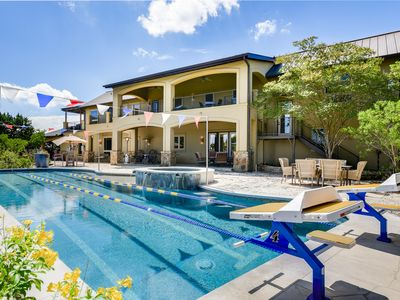 AUTHENTIC ATX EXPERIENCE | Pool Spa | Up to 15Beds | Private Lake I 2 Casitas