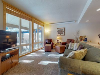 Photo for NEW LISTING! Cozy condo w/ shared pool, tennis & fireplace, mountain view